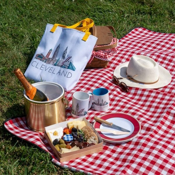 CLE tote picnic