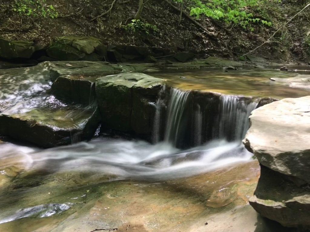Small waterfall before Blue Hen Falls