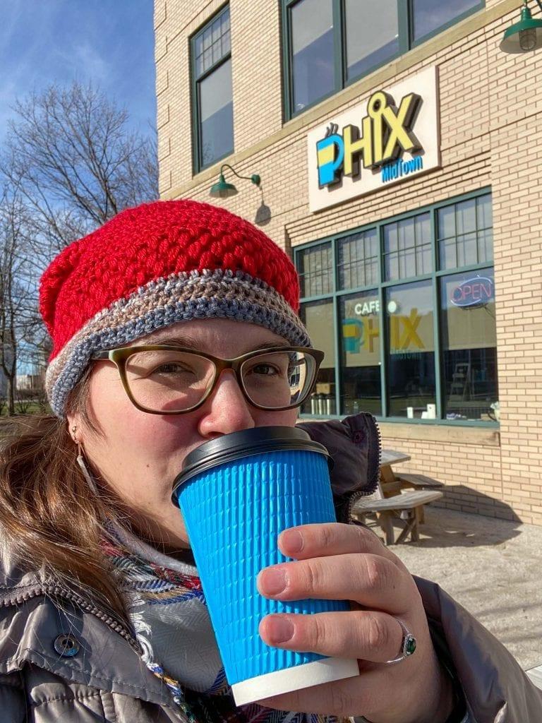 Amanda t Cafe Phix